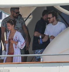 Alicia Vikander and Michael Fassbender enjoy romantic holiday in Ibiza Alicia Vikander Style, The Light Between Oceans, I Believe In Love, Polka Dot Bikini, Brunette Beauty, 40 Years Old, Michael Fassbender, Ibiza, Persona