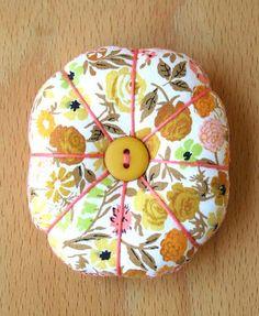 Flower Pincushion / Flickr - Photo Sharing!