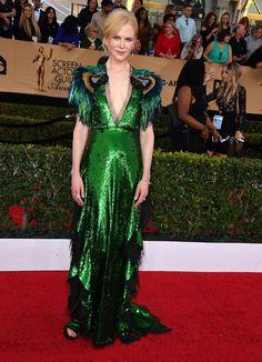 Nicole Kidman en In Gucci, chaussures Stuart Weitzman, pochette Kotur, monte Omega et bijoux Fred Leighton