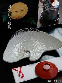 お正月らしさ満点です^^ Japanese New Year Food, Tablewares, New Year's Food, Chinese Culture, Dinner Table, Afternoon Tea, Ceramic Art, Kitchen Dining, Diy And Crafts