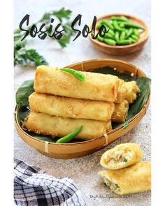 Savory Snacks, Snack Recipes, Cooking Recipes, Nasi Liwet, Traditional Cakes, Indonesian Food, Food Photography, Food And Drink, Frozen