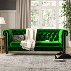 Contemporary Home Decor post transformation 5109924566 to consider for the wonderful room decorating. Living Room Green, My Living Room, Living Room Decor, Bedroom Decor, Find Furniture, Living Room Furniture, Furniture Design, Sofa Upholstery, Chesterfield Sofa
