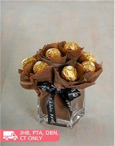 Buy Happy Birthday Balloon Edible Arrangement at NetFlorist - SA's largest sameday gift & flower delivery site! Valentines Gift Box, Bff Birthday Gift, Birthday Candy, Happy Birthday Balloons, Candy Gift Baskets, Valentine's Day Gift Baskets, Candy Gifts, Candy Bouquet Diy, Chocolate Flowers Bouquet