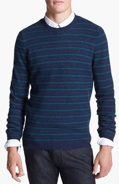 Slim fit sweater, nice pattern.