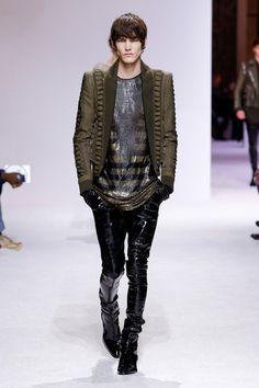 Balmain   Menswear - Autumn 2018   Look 1