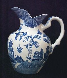 Blue Willow Porcelain China Large Milk Water Pitcher in Collectibles, Kitchen & Home, Tableware Blue Willow China, Blue China, Blue And White Vase, Red White Blue, Willow Pattern, Fire Art, Blue Rooms, Blue Plates, Love Blue