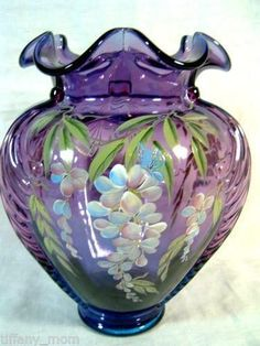 3 Simple and Crazy Tricks: Vases Diy Painted vases diy painted.What To Put In Small Vases copper vases tin cans. Clear Glass Vases, Glass Art, Large Vases, Art Nouveau, Fenton Glassware, Wooden Vase, Painted Vases, Purple Glass, Flower Vases