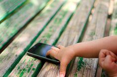 Mitä vanhempien tulisi tietää Snapchat-palvelusta? Mikä on tämä tuhmista kuvistaan ja mokistaan maailmalla kuulu palvelu, joka hurmaa jo yhä useamman lapsen ja nuoren?  Lue Grapevinen blogista