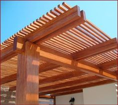 1000 images about terrazas on pinterest patio pergolas for Techos de madera para terrazas