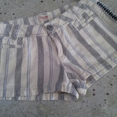 Cotton shorts *FINAL PRICE DROP* Adorable striped cotton shorts. Worn a few times but in great condition!! Mossimo Supply Co. Shorts