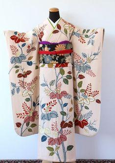 Yukata Kimono, Kimono Fabric, Silk Kimono, Geisha, Traditional Japanese Kimono, Traditional Dresses, Japanese Outfits, Japanese Fashion, Kabuki Costume
