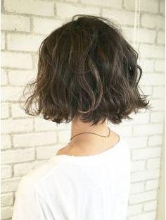 アルバム ハラジュク(ALBUM HARAJUKU) 【ALBUM原1】能瀬_ラフウェーブ×ハイライト_ba40335 Short Hair With Layers, Short Hair Cuts, Permed Hairstyles, Pretty Hairstyles, Wavy Hair, Dyed Hair, Asian Short Hair, Hair Shows, Looks Style