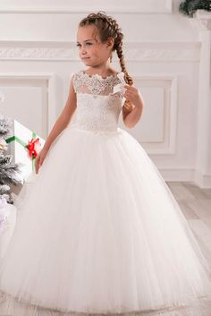 Online Shop White Ivory First Communion Dresses Cute Little Girls pageant Dresses Tulle Ball Gown Floor Length Flower Girls Dresses Flower Girls, Cheap Flower Girl Dresses, Pretty Dresses, Beautiful Dresses, Girls Dresses, Cheap Dress, Tulle Ball Gown, Tulle Dress, Ball Gowns