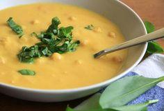 Chutná, zdravá, rýchla včera pre celú rodinu. Cícer je zdrojom železa, preto by nemal chýbať na vašom stole ani keď pripravujete zdravé recepty pre deti. Cheeseburger Chowder, Thai Red Curry, Cantaloupe, Food And Drink, Menu, Vegetarian, Fruit, Cooking, Ethnic Recipes