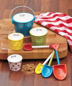 Pail and Shovel - Novelty Measuring Cups and Spoons Set Kitchen Baking Cooking