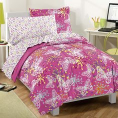If you're looking for the perfect bedding set for your little girl, there is no better option than butterfly bedding. Butterfly Bedding sets are awesome. Kids Twin Bedding Sets, Girls Pink Bedding, Girls Twin Bed, Bedroom Comforter Sets, Full Comforter Sets, Teen Bedding, Pink Bedrooms, King Comforter, Girls Bedroom