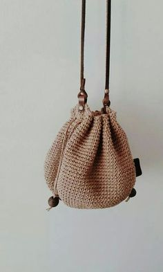 How To Crochet A Shell Stitch Purse Bag - Crochet Ideas Crochet Beach Bags, Crotchet Bags, Bag Crochet, Crochet Shell Stitch, Crochet Diy, Crochet Handbags, Crochet Purses, Love Crochet, Knitted Bags