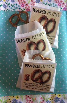 Prayer Pretzels - Prayer lesson for kidmin Prayer Crafts, Bible Crafts, Primary Lessons, Lessons For Kids, Lds Primary, Children Bible Lessons, Young Women Lessons, Sunday School Lessons, Sunday School Crafts