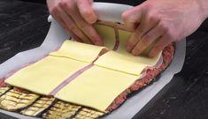 Grillaa+munakoisosiivut,+lisää+jauheliha,+kinkku+ja+juusto+–+lopputulos+saa+kuolan+valumaan