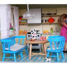 mebelki dla lalek :: Kuchnia z lodówką fufurufu