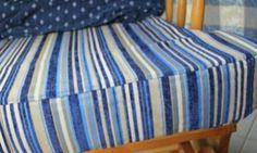 Você pode cobrir uma almofada para cadeira facilmente em sua casa mesmo, e sem muita demora ou grandes custos.