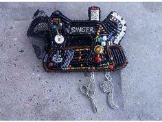 Автор @asel_zhusupova_ 〰〰〰〰〰〰〰〰〰〰〰〰〰〰 По всем вопросам обращайтесь к авторам изделий!!! #ручнаяработа #брошьизбисера #брошьручнойработы #вышивкабисером #мастер #бисер #handmade_prostor #handmadejewelry #brooch #beads #crystal #embroidery #swarovskicrystals #swarovski #купитьброшь #украшенияручнойработы #handmade #handemroidery #брошь #кольеручнойработы #кольеизбисера #браслеты #браслетручнойработы #сутажныеукрашения #сутаж #шибори #полимернаяглина #украшенияизполимернойглины