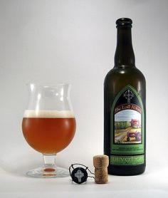 Cerveja Lost Abbey Devotion, estilo Belgian Pale Ale, produzida por Lost Abbey, Estados Unidos. 6.25% ABV de álcool.