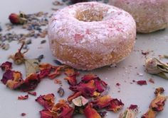 Happy and Healthy Valentine's Day to everybody, with these vegan baked donuts, with rose petals and lavender essence.