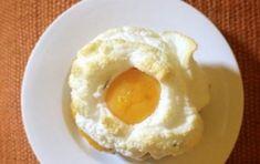 Uovo nuvola - La ricetta dell'uovo nuvola, noto anche grazie alle trasmissioni Top Chef e Molto Bene, da realizzare in casa in poche mosse e con qualche piccolo accorgimento per un risultato eccezionale