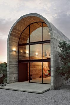 Art Warehouse - the workshop of painter and sculptor Alexandros Liapis in Dilesi, Greece by A31-Architects.