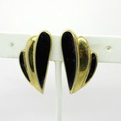 Vintage Trifari Black & Gold Earrings Curved by LeesVintageJewels