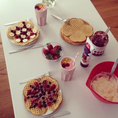 Waffles👌✨ discovered by Olivia on We Heart It Sweet Breakfast, Waffles, Strawberry, Heart, Desserts, Flowers, Food, Postres, Deserts