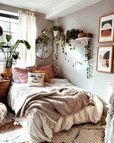 Modern bedroom inspiration - 51 bohemian minimalist bedroom ideas with urban outfiters 11 Living Room Bedroom, Living Room Furniture, Home Furniture, Bedroom Decor, Bedroom Ideas, Bedroom Inspiration, Ikea Bedroom, Antique Furniture, Master Bedroom