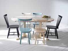 Lilla Åland windsor chair from Stolab. Design by Carl Malmsten. #chair #classics