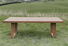 Durable eco-responsible dining table