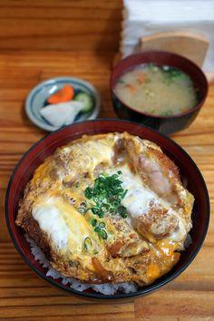 とんかつ亭ひさやま Love Food, A Food, Food And Drink, Junk Food, Japanese Food Sushi, Fiber Rich Foods, Asian Recipes, Ethnic Recipes, Healthy Food Choices