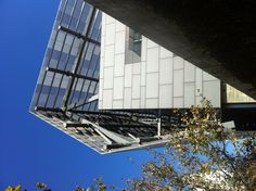 Thom Mayne and Morphosis Architects. Caltrans District 7 Headquarters. LA, 2002-2005. Photo by James Butler
