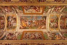 Fresques d'Annibal Carrache - La prodigieuse série de fresques d'Annibal Carrache ornant le plafond de la galerie Farnèse, sommet de l'art renaissant, fait la fierté des Romains et des ambassadeurs de France en Italie depuis le XVIe siècle.
