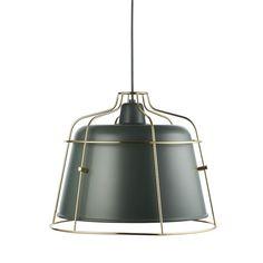 Eine Lampe ist eine Lampe, aber das heißt nicht, dass sie langweilig sein muss. Bars bringt mit ihrem Industrielook und ihrer doppelten Silhouette Individualität in jeden Wohnraum.