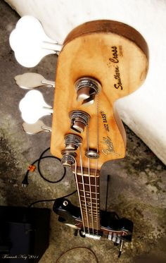 Printer Projects New York Bass Guitar Tattoo Treble Clef Learn Bass Guitar, Learn Acoustic Guitar, Fender Bass Guitar, Fender Guitars, Guitar Amp, Gretsch, Ibanez, Rock N Roll, Guitar Tabs Songs