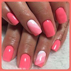 Semi-permanent varnish, false nails, patches: which manicure to choose? - My Nails Short Nail Designs, Colorful Nail Designs, Coral Nail Designs, Coral Nails With Design, Shellac Nails, Toe Nails, Gel Nail, Stylish Nails, Trendy Nails