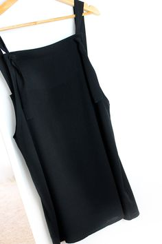 miscelánea diy: Cómo hacer el peto más fácil del mundo | DIY PETO - OVEROL - PICHI Sewing Clothes, Diy Clothes, Tweed, Diy Vestido, Refashion, Couture, Denim, Repurpose, Womens Fashion