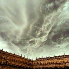 Tormenta en Salamanca. Increíble fotografía!