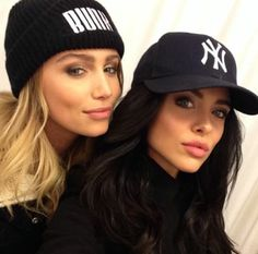 Cailin Russo and Mara Teigen hot in hats Cailin Russo, Cap Girl, Selfie Poses, Selfie Sexy, Bold And The Beautiful, Fancy Hairstyles, Girl Gang, Beanie Hats, Beanies