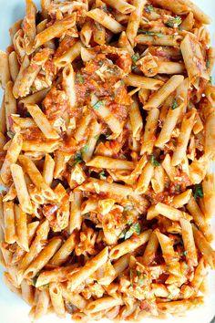 Caprese Pasta Bake with Fresh Garden Tomatoes Italian Dishes, Italian Recipes, Italian Pasta, Vegetarian Recipes, Cooking Recipes, Healthy Recipes, Pasta Dishes, Food Dishes, Baked Pasta Recipes