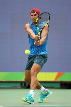 Nadal s'alignera en double avec Marc Lopez (21e mondial en double) et en double mixte avec Garbine Muguruza (4e mondiale en simple). Nadal practice at Rio  ATP Jo Jeux Olympiques Rafa Nadal
