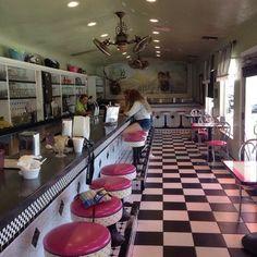 Dewar's Candy Shop - Bakersfield, CA