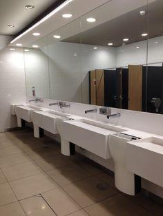 Mediclinics | Continente Bathroom Lighting, Bathtub, Mirror, Bedroom, Building, Furniture, Home Decor, Paper Towels, Soap Dispenser