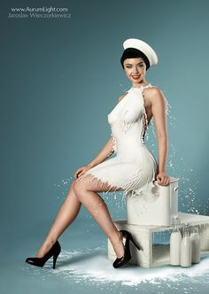 Pinups vestidas de leite.