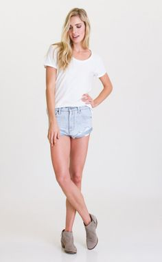 The RVCA Hatchet denim shorts were inspired by the Australian girls on the RVCA team
